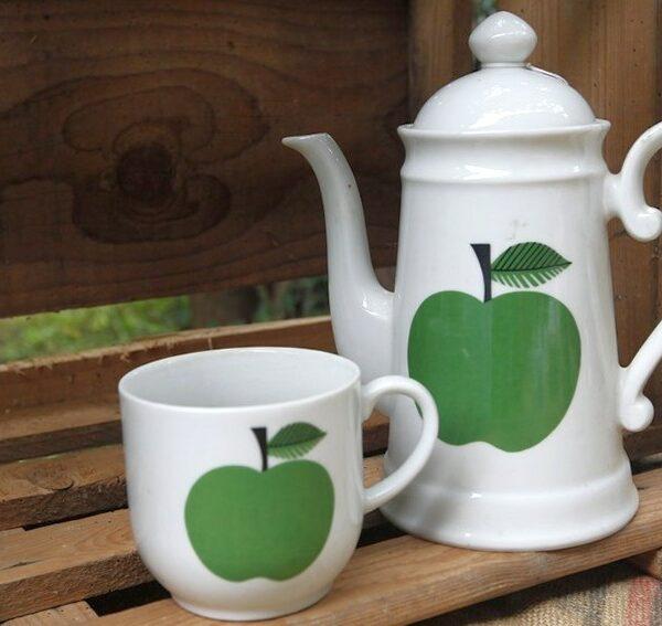 Theière pomme verte aux retrouvailles vintage