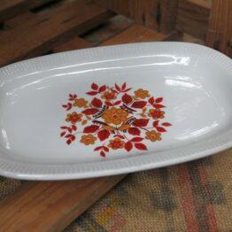 Petit plat fleuri vintage aux retrouvailles