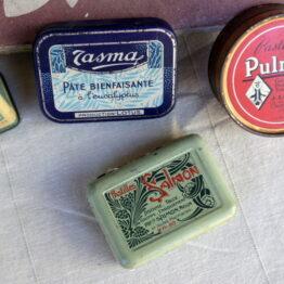 boites métal médicament ancienne aux retrouvailles vintage